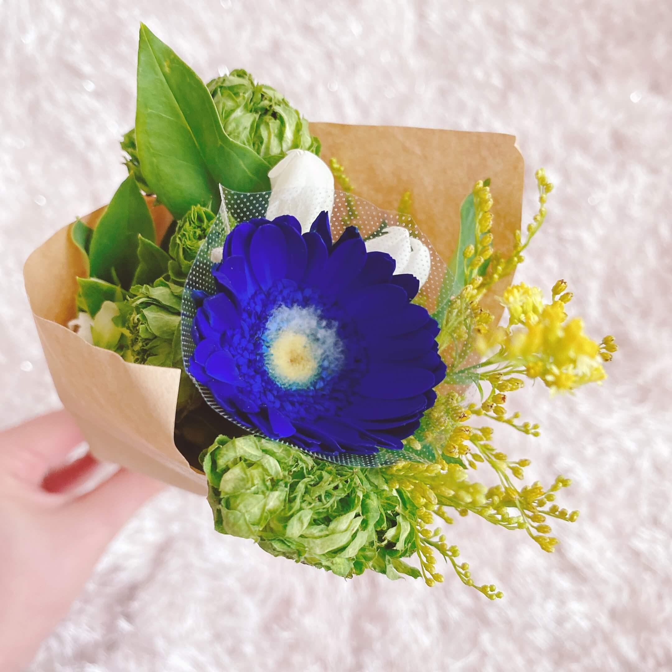 ブルーミーで届いたお花がカビている様子