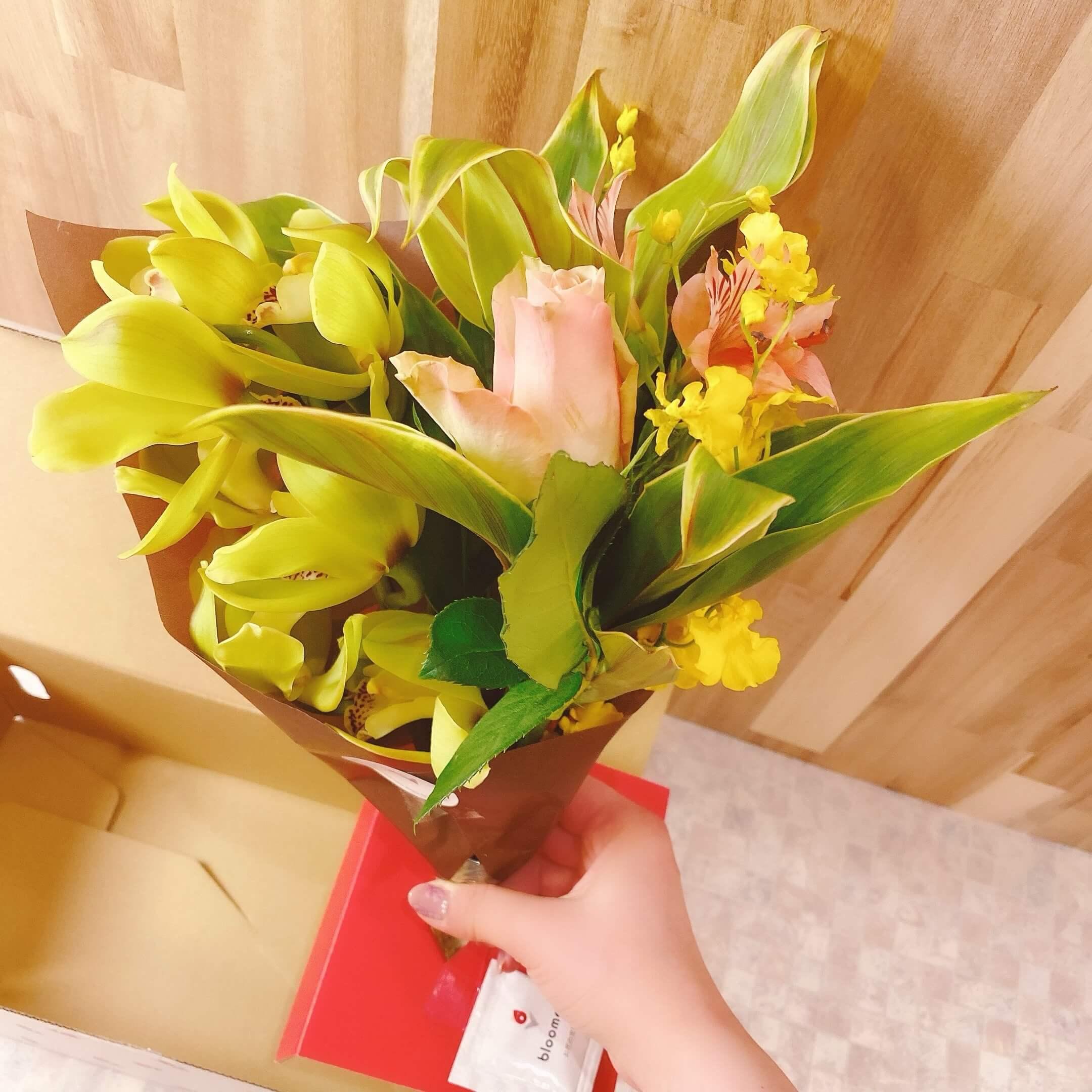ブルーミーリッチプランのお花を取り出した様子